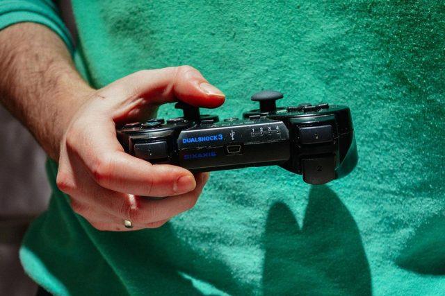 Jeśli często grasz na konsoli wykup subskrypcję PlayStation Plus