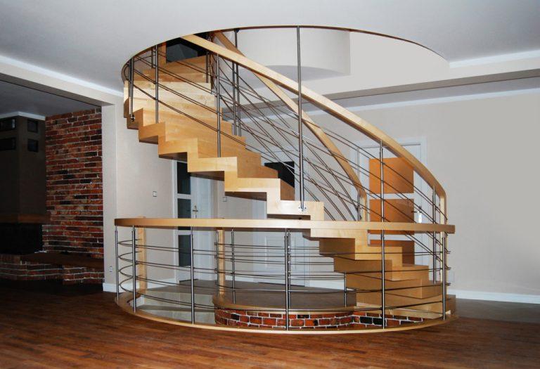 Co warto wiedzieć o firmach produkujących schody drewniane?