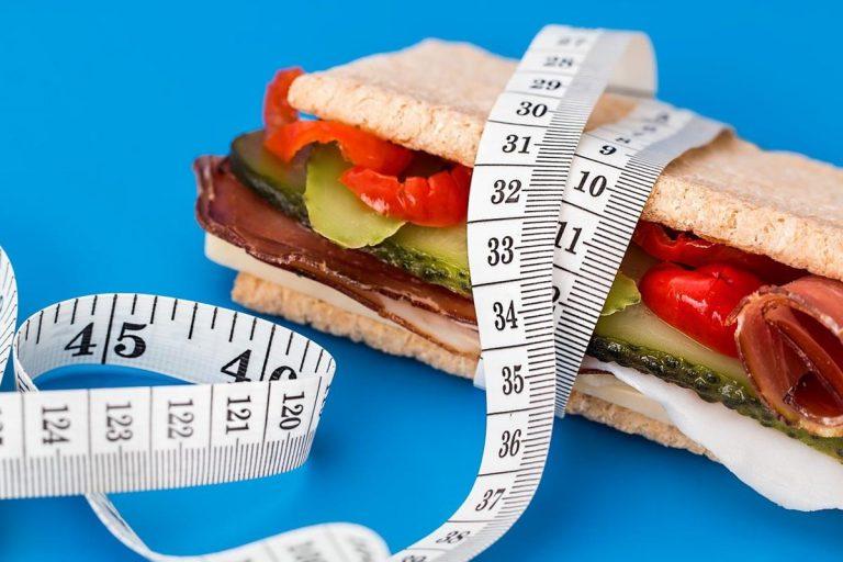 Co powinna dostarczać zdrowa dieta?